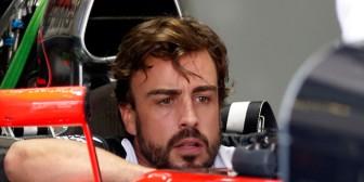 Alonso niega haber despertado en 1995 hablando en italiano tras el accidente en la pretemporada
