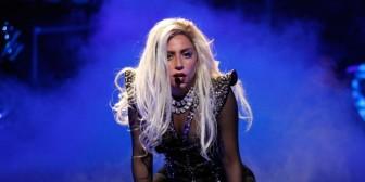 """OMG! Lady Gaga se desnudó y paró el """"booty"""" para la revista 'V Magazine'"""