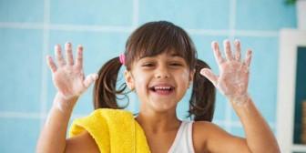 Por qué no debes utilizar JAMÁS el seca manos de baños públicos