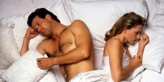 Doce errores que cometen las mujeres en la cama y un consejo que funciona