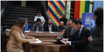 Evo Morales se reunirá con diplomáticos chinos por problemas con empresas y advierte con ejecutar boletas de garantía