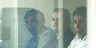 Nina compromete a exministros Rada y Llorenti; general tenía vínculos con el hijo del 'Chapo' Guzmán