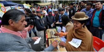Seis millones de bolivianos eligen hoy a las autoridades que impulsarán las autonomías