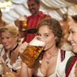 mujeres_bebiendo_cerveza