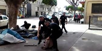 La Policía de Los Ángeles mata a tiros a un indigente en plena calle