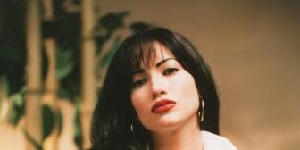 Jennifer López se vuelve a convertir en Selena Quintanilla