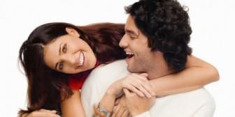 Un hombre que hace reír es la kriptonita de las mujeres