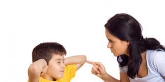 Por qué no decirle NUNCA a tu hijo que te deje en paz