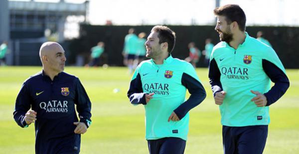 El lateral izquierdo Jordi Alba no entrenó con el resto del equipo este lunes