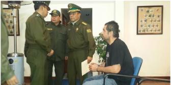 Belaunde llega a La Paz tras 10 horas de su captura y es llevado a la frontera