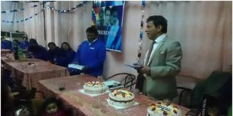 Otro vocal del Supremo Electoral en evidencia: Ramiro Paredes festejó con militantes del gobiernista MAS