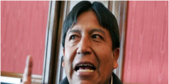 Canciller boliviano sorprende a periodistas hablándoles en aymara