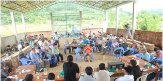 Grupo de cocaleros en Chapare desafía a Evo Morales