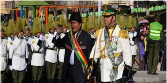 """El gobierno """"tuvo mucha paciencia"""" con la Policía, dice Evo al posesionar a nuevo ministro de gobierno, tras fuga de Belaúnde"""
