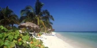 Maestra británica pierde trabajo por sexo durante viaje a Cuba