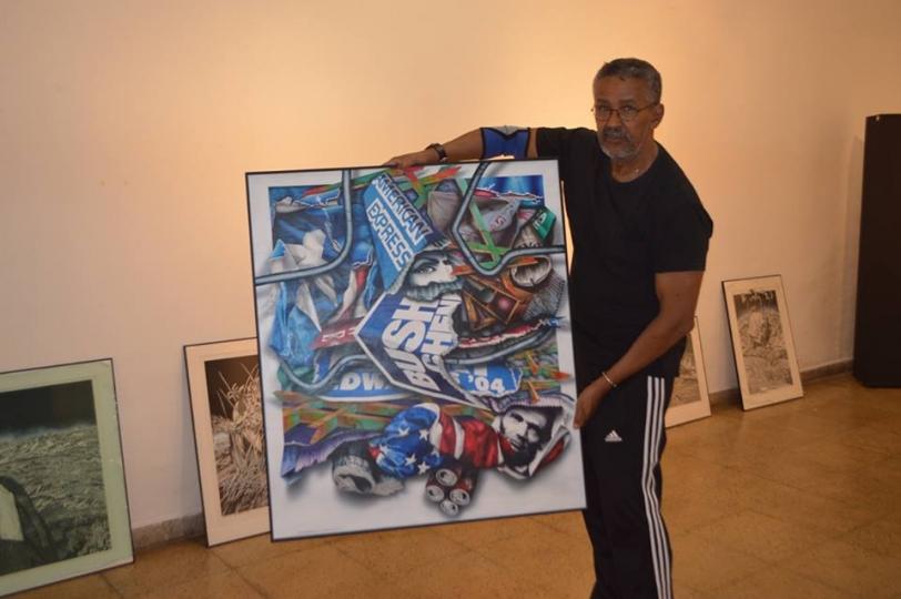 Artista cubano expone sus cuadros en el Museo de Arte Contemporáneo