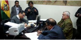 Caso Misiles. Justicia ordena la aprehensión de exsenador Marcelo Antezana