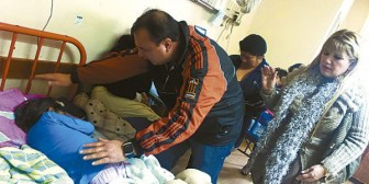 Aparecen familiares de niña con una aguja en el hígado