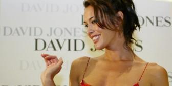 Estudio: mujeres guapas no dejan pensar bien a los hombres