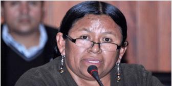Negocios de la ministra Achacollo: tiene una empresa frigorífica que no da factura, denuncia dirigente alteño