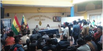 300 mil funcionarios del Estado boliviano tienen un mes para saber idioma nativo