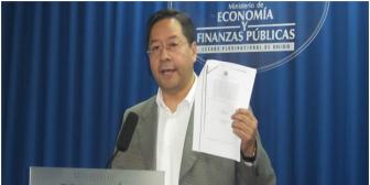 Ministro Arce amenaza a fiscales con juicio y niega haber consentido desembolsos