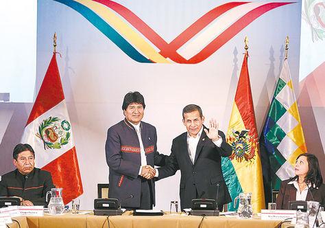 Encuentro. Morales y Humala se reunieron en Puno, Perú, donde hablaron del tren bioceánico.