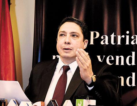 Conferencia. El procurador general del Estado, Héctor Arce Zaconeta.