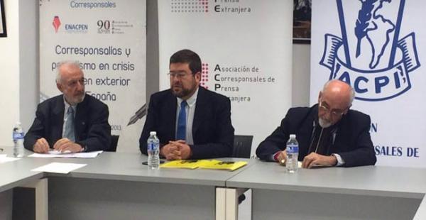 Samuel Doria Medina en una conferencia de prensa que ofreció en Madrid