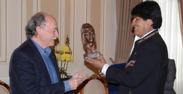 El primer mandatario recibió esta jornada al jurista internacional Antonio Remiro Brotons en Palacio de Gobierno.