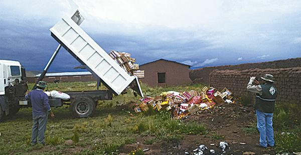 El Senasag destruyó los alimentos sin documentación