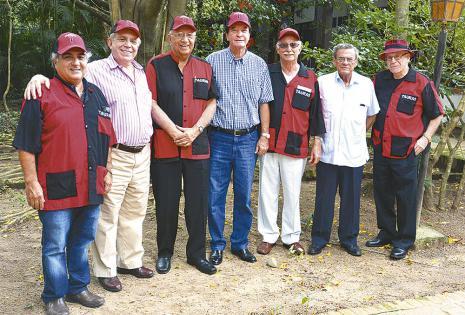 'Coqui' Anglarill, 'Chichi' Di Pinto, Alfredo Romero, Erland Camacho, Demetrio Soruco, Marcelo Velarde e Ivar Díaz