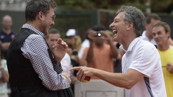 Buena onda. Tinelli y Macri, antes y ahora, siempre muy cerca. AFP