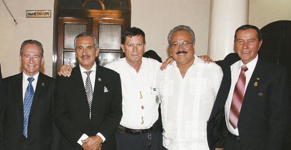 'Kitino' Weise, Willian Torrico, 'Chacho' Méndez, 'Mico' Montero y 'Nany' Bernachy. Este quinteto es infaltable en las reuniones mensuales y confraternizaciones especiales
