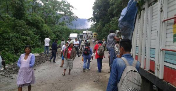 Vehículos pesados empiezan a transitar por la zona de El Sillar