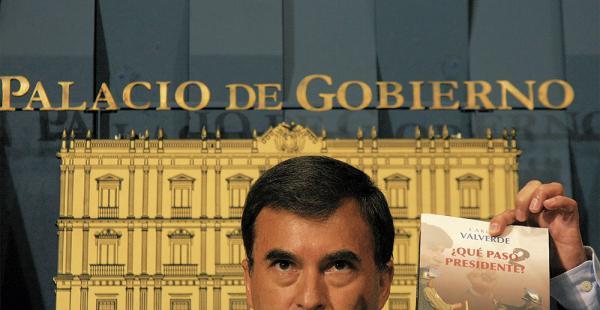 DENUNCIA. El ministro de la Presidencia, Juan Ramón Quintana, aseguró que el periodista Carlos Valverde es agente encubierto de la CIA. Mostró algunos cables del Wikileaks