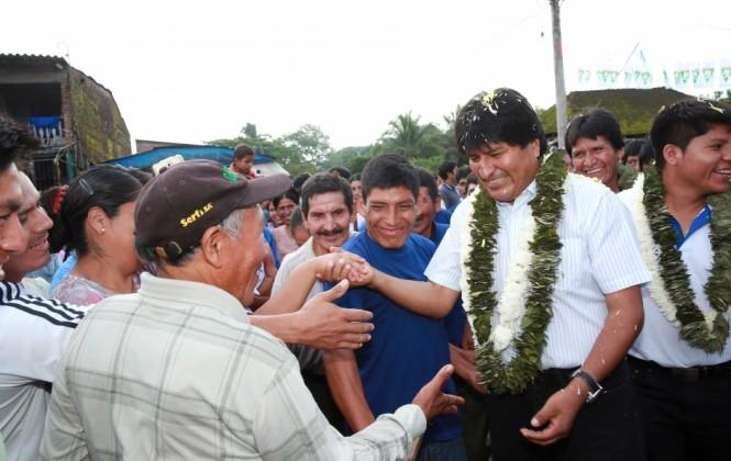En medio de irregularidades, Bolivia vota para definir si Evo puede postular en 2019