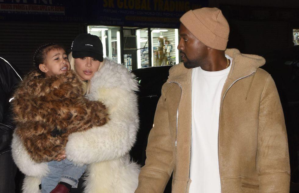 North West, Kim Kardashian y Kanye West, la semana pasada en Nueva York.