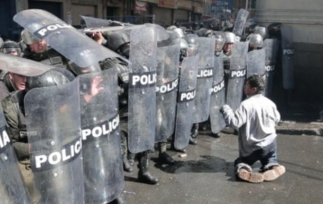 ONU pide investigar violencia policial contra discapacitados, exige una reparación y pide el pago de una renta