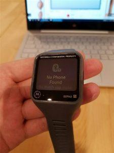 Motorola-smartwatch-prototype-featured-a-rectangular-screen-and-a-microUSB-port-3