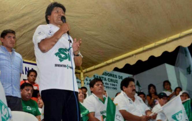 Opositores ven show en pedidos de organizaciones de que Evo se quede en el poder después de 2020