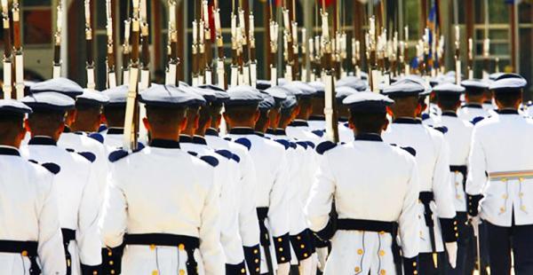 Pese a que presentaron un amparo constitucional, la disposición de las autoridades militares se sustentó en la Constitución.