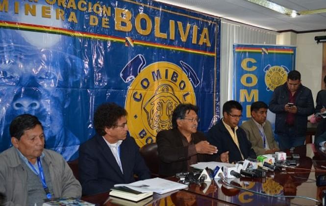 Comibol admite que dio consentimiento a contrato observado con COMSUR
