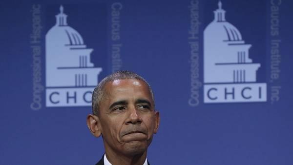 El president Barack Obama durante su discurso en la cena anual del Congressional Hispanic Caucus Institute, en Washington. / AFP