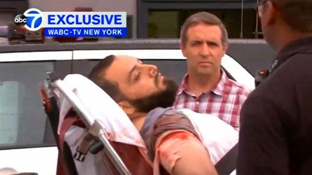 Rahami al ser trasladado tras su detención