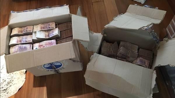 Dinero, joyas y relojes secuestrados en la casa de Carlos Tomeo en el Country Abril.