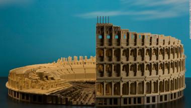 'Bloque a bloque' — El Museo de Ciencia e Industria de Chicago presenta la exposición del profesional en Lego Adam Reed Trucker llamada 'Bloque a bloque', construida totalmente en piezas de Lego.