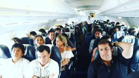 El presidente, Evo Morales, el ministro Quintana y el gobernador Ferrier abordo del avión de LaMia