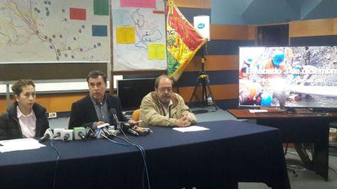 Ministros de Estado en conferencia de prensa evalúan los avances en la distribución de agua