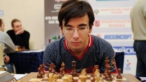 Yuri Yeliseyev, el joven campeón ruso que cayó de un piso 12.